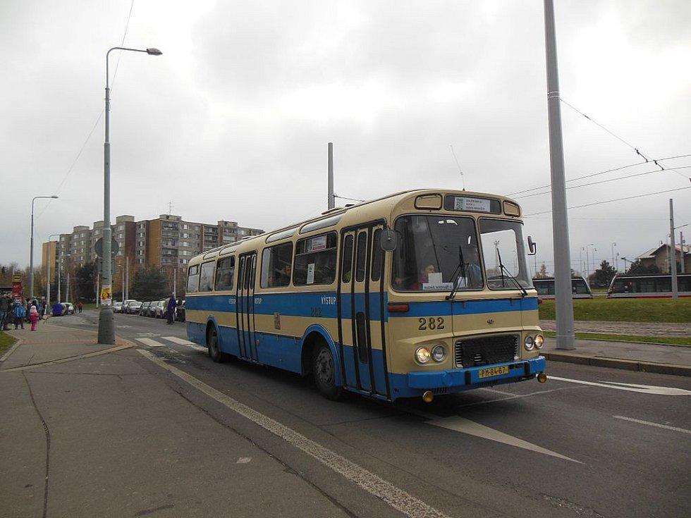 K dennímu koloritu patřily i autobusy Škoda ŠL 11