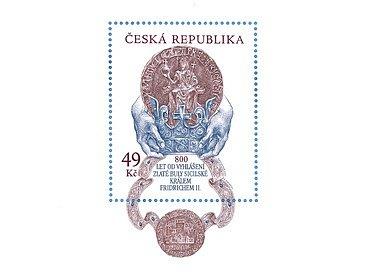 Český zástupce - známka připomínající 800 let od vydání Zlaté buly sicilské - skončila v půli první desítky. Navrhl ji letos zesnulý grafik Oldřich Kulhánek.
