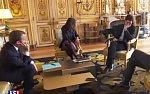 Psi na politických jednáních? Macronův mazlíček se vymočil v Elysejském paláci
