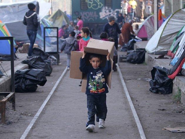 Uprchlíci v řeckém táboře Idomeni.