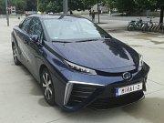 První komerčně dostupný osobní automobil na vodíkový pohon Toyota Mirai