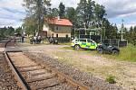 U Karlových Varů se čelně střetly dva vlaky. Na místě jsou oběti i desítky zraněných