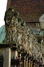 Sochy apoštolů u kostela sv. Petra a Pavla v Krakově