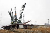 Ruská raketa Sojuz na kazašském kosmodromu Bajkonur.