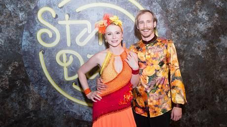 Herečka Marie Doležalová a tanečník Marek Zelinka v soutěžním pořadu StarDance