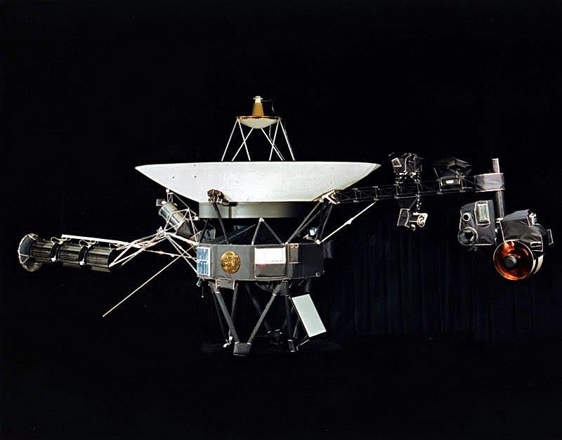 Voyager 2 se připojil k sesterské sondě Voyager 1 v mezihvězdném prostoru