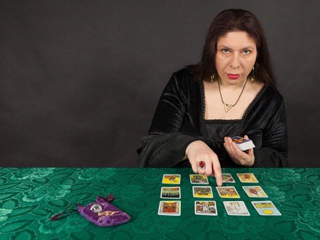 Výklad tarotových karet. Ilustrační foto.