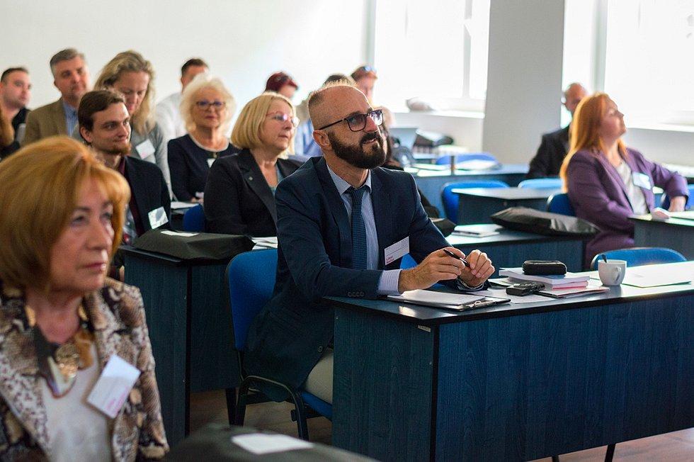 V rámci mezinárodní vědecké konference představila pražská Vysoká škola kreativní komunikace manifest za vyšší podporu kreativních odvětví v Česku.