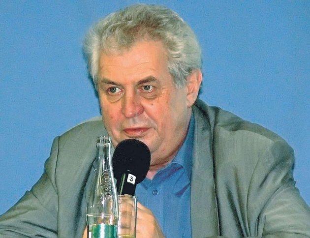 Miloš Zeman v Horní Plané hovořil hlavně o kůrovci. Na přetřes přišel ale i jeho možný návrat do politiky