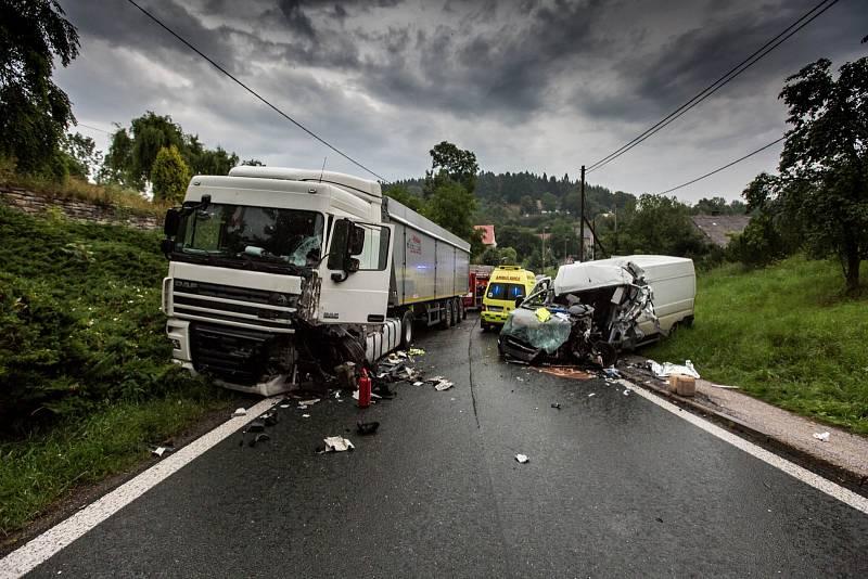 Doprava, dopravní nehoda, záchranáři. Ilustrační foto
