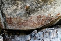 Celkový pohled na skalní kresbu v Amak'hee 4
