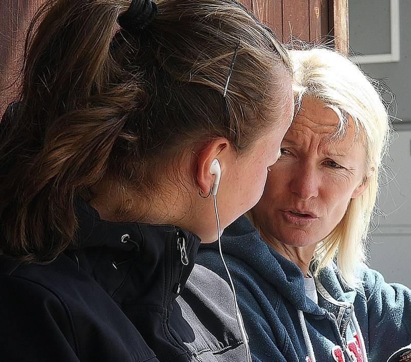 Barbora Krejčíková (vlevo) a Jana Novotná.