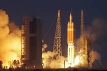 Vesmírná loď Orion odstartovala k prvnímu testovacímu letu.