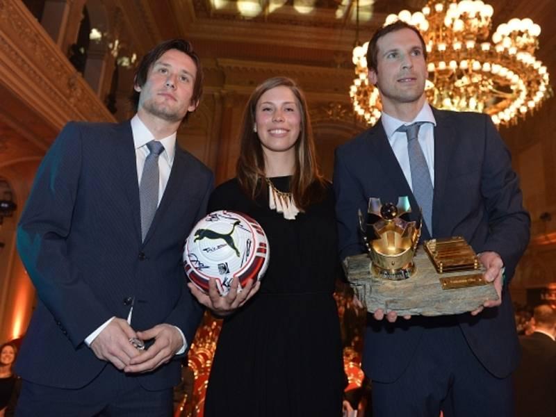 Hvězdná trojice (zleva) Tomáš Rosický, olympijská šampionka Eva Samková a nejlepší český fotbalista Petr Čech.