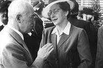 Milada Horáková s prezidentem Edvardem Benešem na snímku z roku 1947.