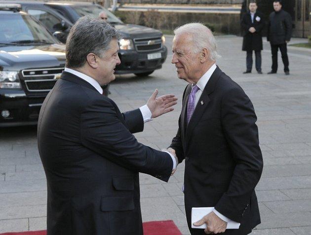 Petro Porošenko a Joe Biden