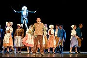 OPERA? OPERA! humorně přiblíží historii opery náctiletým divákům a pobaví i dospělé.