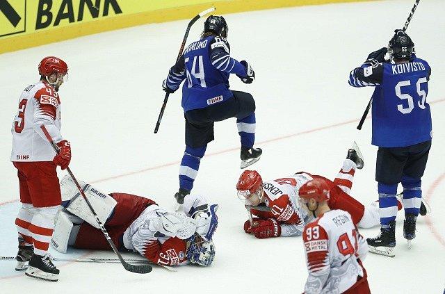 Zápas Finska proti Dánsku skončil vítězně pro domácí Dány.
