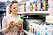 Francouzské zákaznice čtou údaje o složení kosmetických výrobků stále častěji a důkladněji
