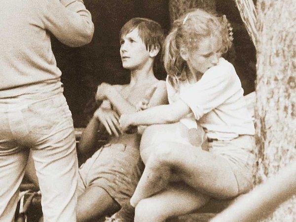 Poznáte ji? Herečka  Anna Geislerová na jednom ze skautských táborů.