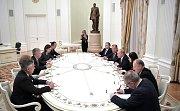 Trumpův bezpečnostní poradce John Bolton jednal s ruským prezidentem Vladimirem Putinem