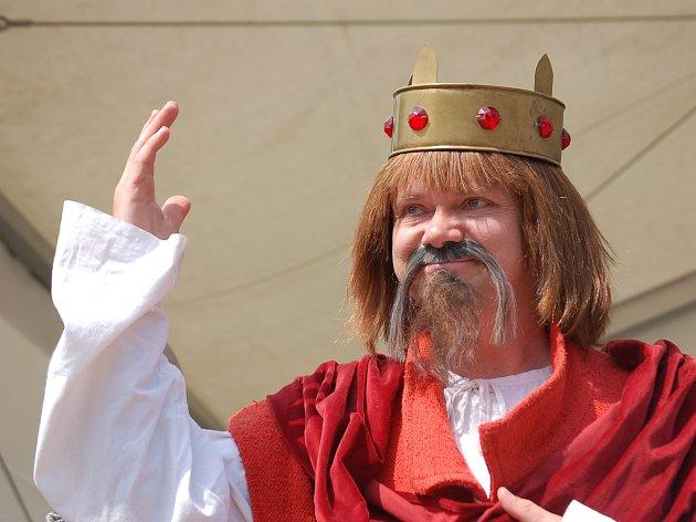 V rámci oslav se mohou děti vyfotit s králem Přemyslem Otakarem I. Ilustrační foto.