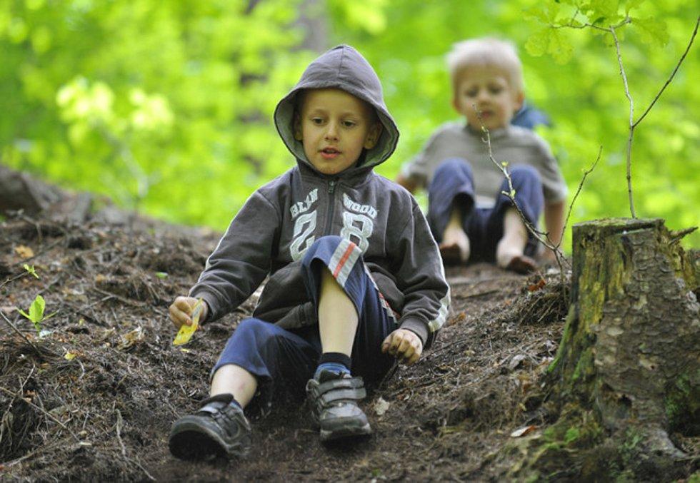 Děti, chlapci, hra - ilustrační foto.