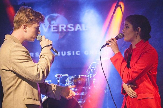 Adam Mišík a Celeste Buckingham