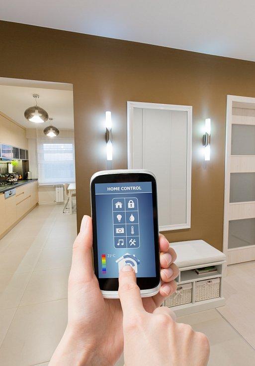 Mnoho spotřebičů v bytě lze již ovládat přes mobil.