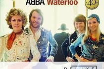 """Oslavte jeden z nejdůležitějších momentů v celé kariéře kapely ABBA. Deluxe verze jejich legendární desky """"Waterloo"""" obsahující na kompletu CD+DVD i velké množství bonusového materiálu, vyjde pod hlavičkou Universal Music již 7. dubna!"""