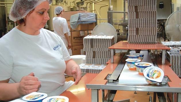 """SMUTNÉ LOUČENÍ. Pomazánkové máslo se u nás začalo vyrábět v roce 1977. Ode dneška už to není """"máslo""""."""