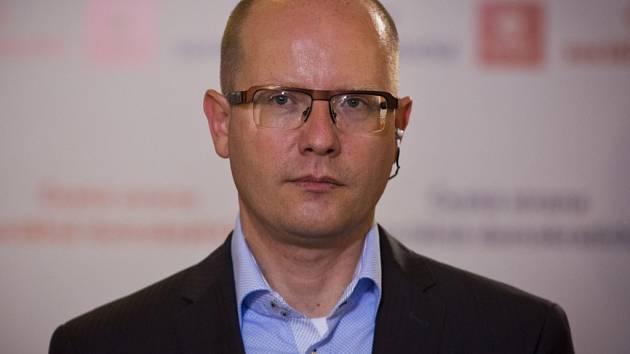 Premiér a předseda ČSSD Bohuslav Sobotka.