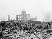 Zničená Hirošima po výbuchu atomové bomby.