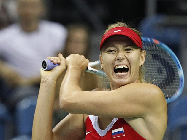 Maria Šarapovová z Ruska ve Fed Cupu proti Polsku.