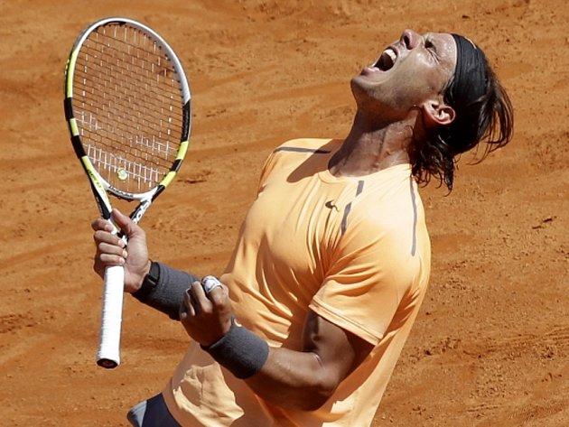 Rafael Nadal se raduje z triumfu na turnaji v Monte Carlu.