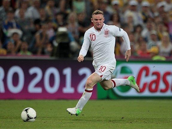 Wayne Rooney v akci.