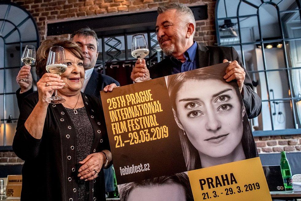 Tisková konference k nadcházejícímu filmovému festivalu Febiofest. Jiřina Bohdalová s Fero Feničem.