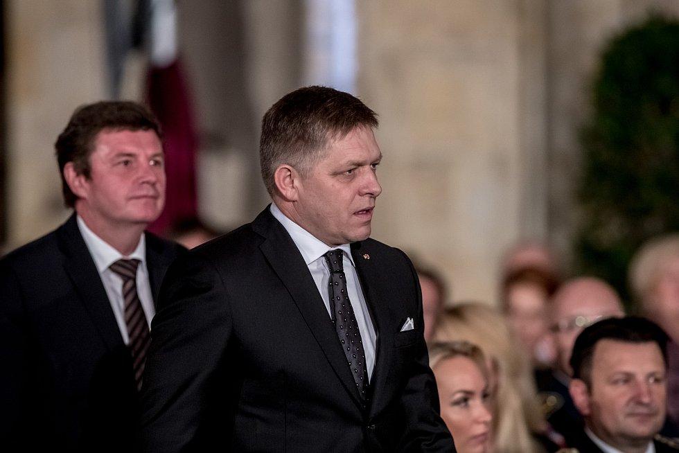 Prezident Miloš Zeman na státní svátek 28. října předával státní vyznamenání ve Vladislavském sále Pražského hradu. Fico