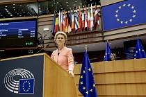Předsedkyně Evropské komise Ursula von der Leyenová při svém projevu v Bruselu, 16. září 2020.