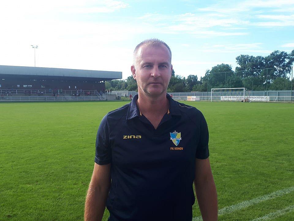 Bývalý ligový rozhodčí Gustav Santarius mladší založil pětadvacátého ledna před čtyřmi lety facebookový profil Fotbal na Bruntálsku