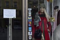 Uzavřený obchod s oděvy v Olomouci
