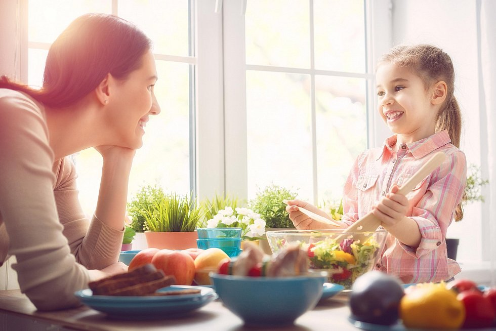 Co se vmládí naučíš jíst, to pak obvykle jíš celý život. Navykněme děti na to, že zelenina aovoce jsou běžná součást jídelníčku.