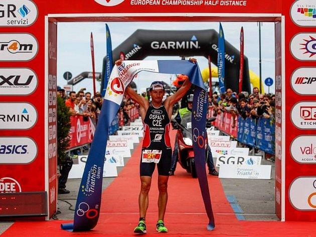 Filip Ospalý se stal v Rimini mistrem Evropy ve středním triatlonu.