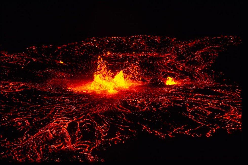 Za vznik okysličené atmosféry vděčíme chemickým reakcícm v roztaveném železe v prastarých oceánech magmatu pokrývajících Zemi, ukázal nový výzkum