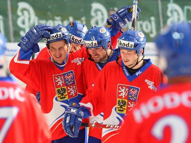 Čeští hokejbalisté obhájili na mistrovství světa v Bratislavě titul z roku 2009 z domácího šampionátu v Plzni. Ve finále v neděli 26. června 2011 svěřenci trenéra Drahomíra Kadlece zdolali Kanadu 3:1 a triumfovali na historicky devátém MS celkově potřetí.