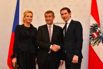 Zleva: Monika Babišová, premiér Andrej Babiš a rakouský kancléř Sebastian Kurz