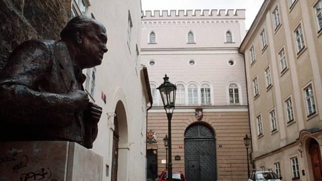 Britské velvyslanectví v Praze. Ilustrační foto.