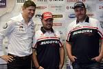 Účastníci Dakaru (zleva) Martin Prokop, Aleš Loprais a Martin Kolomý.