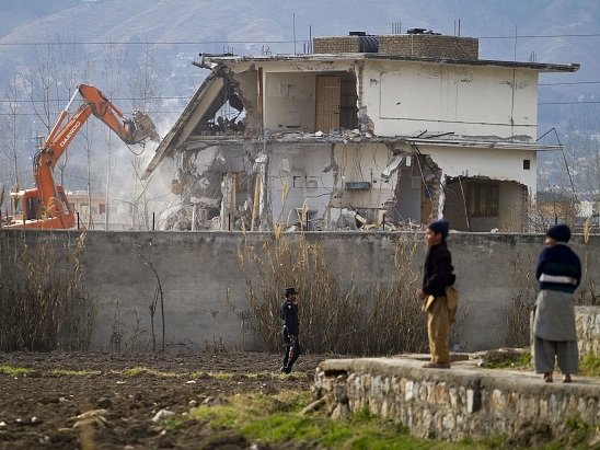 Pákistánské úřady nechaly v únoru roku 2012 bývalý Bin Ládinův úkryt zbourat
