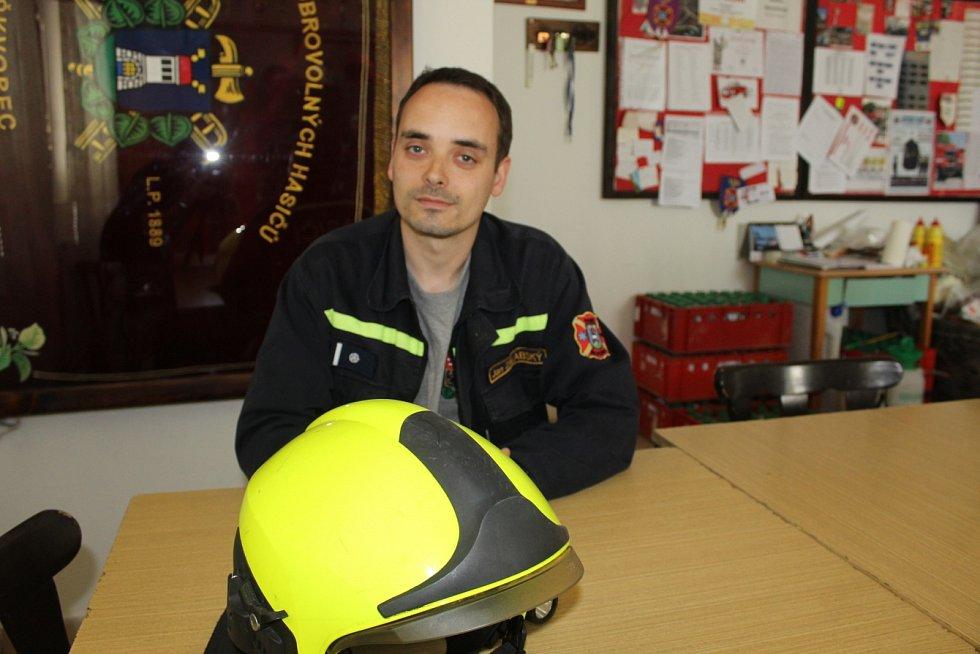 Jan Zálabský je dobrovolným hasičem ve Škvorci šestým rokem.